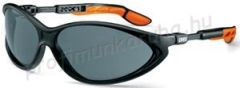 Cybric sportszemüveg állítható szárral, karcmentes, könnyen tisztítható sötét lencsével (NC)